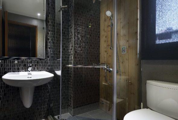 Shower Screens Sunshine Coast